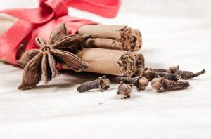 huiles essentielles - épices - Noël